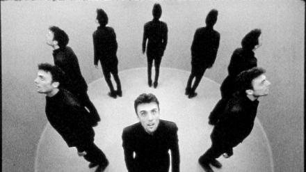 Ein Mann, acht Kameras / One Man, Eight Cameras /